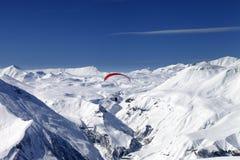 скользя небо гор снежное Стоковые Фотографии RF