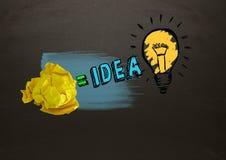 Скомканная бумага приравнивает электрическая лампочка идеи с классн классным Стоковые Изображения RF
