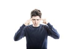 Сконцентрированное Гай изолированное на белом backgropund Стоковое фото RF