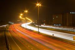 Скоростная дорога на ноче Стоковые Изображения