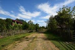 Скоростное шоссе в одичалой области, автобан в сельской местности Стоковые Изображения