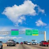 Скоростное шоссе Fwy Хьюстона Katy в Техасе США Стоковые Изображения