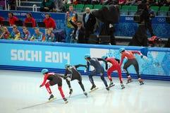 скорость Коротк-трека катаясь на коньках на XII Олимпийских Играх Сочи 2014 зимы Стоковые Изображения RF