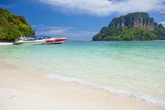 скорость моря шлюпки тропическая стоковые изображения