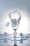 скорость съемки питья высокая Стоковое Изображение