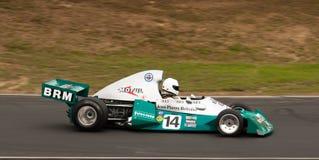 скорость Формула-1 автомобиля brm участвуя в гонке Стоковая Фотография