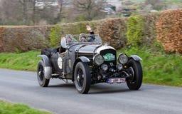 Скорость 1948 Bentley 8 взбирается холм Southwaite стоковое изображение rf