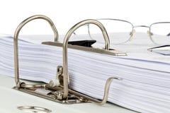 Скоросшиватель архива с документами и документами Стоковые Изображения