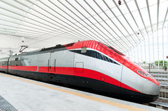 Скорый поезд в Италии Стоковое Изображение