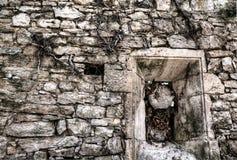 Скошенное каменное окно Стоковые Фото