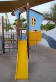 Скольжение дома игры парка детей Стоковое Изображение