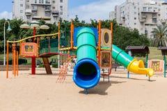 Скольжения и спортивные площадки детей Парк спортивной площадки Стоковое фото RF