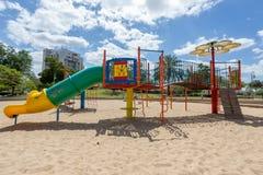 Скольжения и спортивные площадки детей Парк спортивной площадки Стоковые Изображения RF