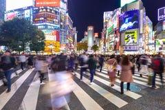 Скрещивание борьбы Shibuya в токио на ноче, Японии Стоковая Фотография RF