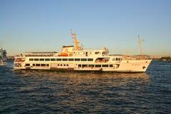 Скрещивание пассажирского парома Bosphorus Стоковые Изображения RF