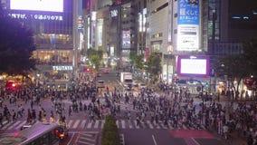 Скрещивание Shibuya в токио - занятом месте - ТОКИО/ЯПОНИЯ - 12-ое июня 2018 сток-видео