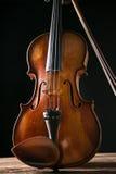 Скрипка в винтажном стиле стоковое изображение rf