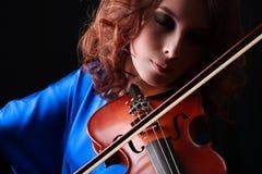 Скрипка играя музыкант скрипача Стоковые Фотографии RF