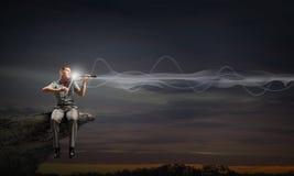 Скрипка игры человека Стоковые Изображения RF