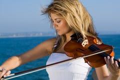скрипка игры стоковая фотография rf