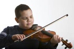 скрипка мальчика стоковое фото rf