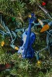 Скрипка сини игрушки рождества Стоковое фото RF