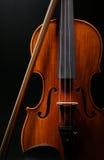 Скрипка с черной предпосылкой Стоковые Фото