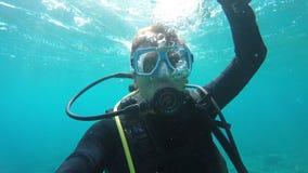 скуба водолаза подводное видеоматериал