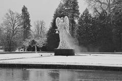 Скульптура ангела рождества в барочном парке дворца Hellbrunn Австралия salzburg Стоковые Фото