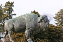 Скульптура бизона стоковое изображение rf