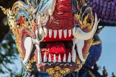 Скульптура диких животных Himavanta на виске Wat Rong Suea 10, Chiang Rai, Таиланде Himavanta легендарный лес который s Стоковое фото RF