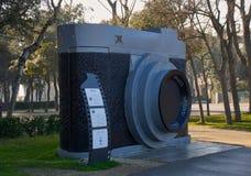 Скульптура камеры празднуя Frederico Fellini Стоковое фото RF