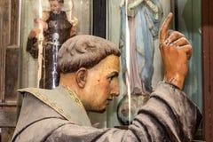 Скульптура конца головы Франсиско Святого вверх в студии искусств иллюстрация вектора