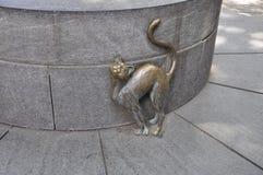 Скульптура кота Betsy Ross в дворе дома от Филадельфии в Пенсильвании США стоковые изображения rf
