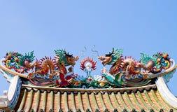 скульптура крыши золота дракона Стоковые Фото