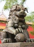 Скульптура льва Cheneese Стоковые Изображения RF