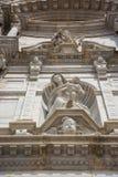 Скульптура на фасаде собора виска на площади de стоковая фотография rf