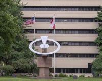Скульптура нержавеющей стали Kopernik Dudley Talcott, бульваром Бенджамина Франклина, Филадельфией стоковые изображения rf