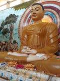 скульптура сидя Будды в виске Стоковое Фото