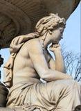 Скульптура унылой девушки Стоковое фото RF