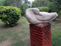 Скульптура утки стоковые изображения
