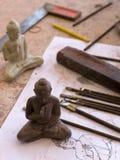 скульптура чертежа Будды к работе инструментов Стоковые Фото