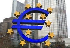 скульптура frankfurt евро светлая Стоковое Изображение