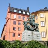 Скульптура Georges в Gamla Stan стоковые изображения rf