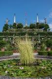 Скульптуры Isola Bella в саде дворца Borromeo, Ломбардии, Италии, Lago Maggiore стоковые фото