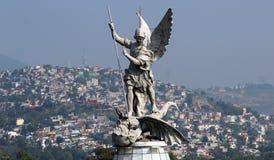 Скульптура Архангела St Michael Стоковые Фотографии RF