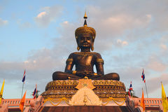 Скульптура Будды сада Phetchabura Будды Стоковое Изображение RF