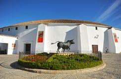 Скульптура воюя быка в Ronda, Испании Стоковая Фотография