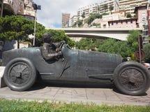 Скульптура гоночной машины и водителя Монте-Карло Монако Стоковые Изображения