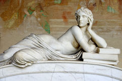 Скульптура женщины стоковые фотографии rf